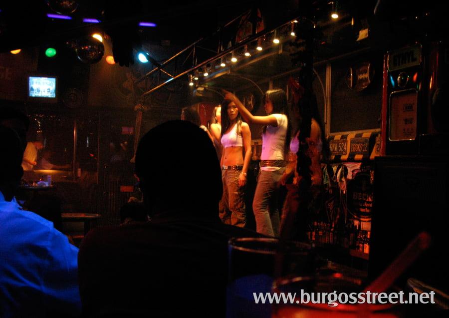 Burgos Street Reviewas